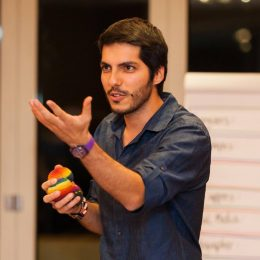 Ömer brings to NOW his expertise in intercultural learning, volunteer development and body expression.