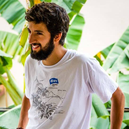 Andrés does volunteer work with youngsters and is focused on facilitation
